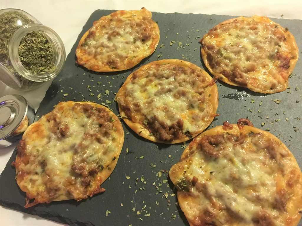 como hacer mini pizzas
