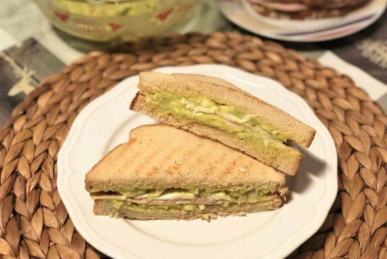como preparar sandwich de aguacate