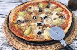 como hacer pizza de atun y anchoas con masa rápida