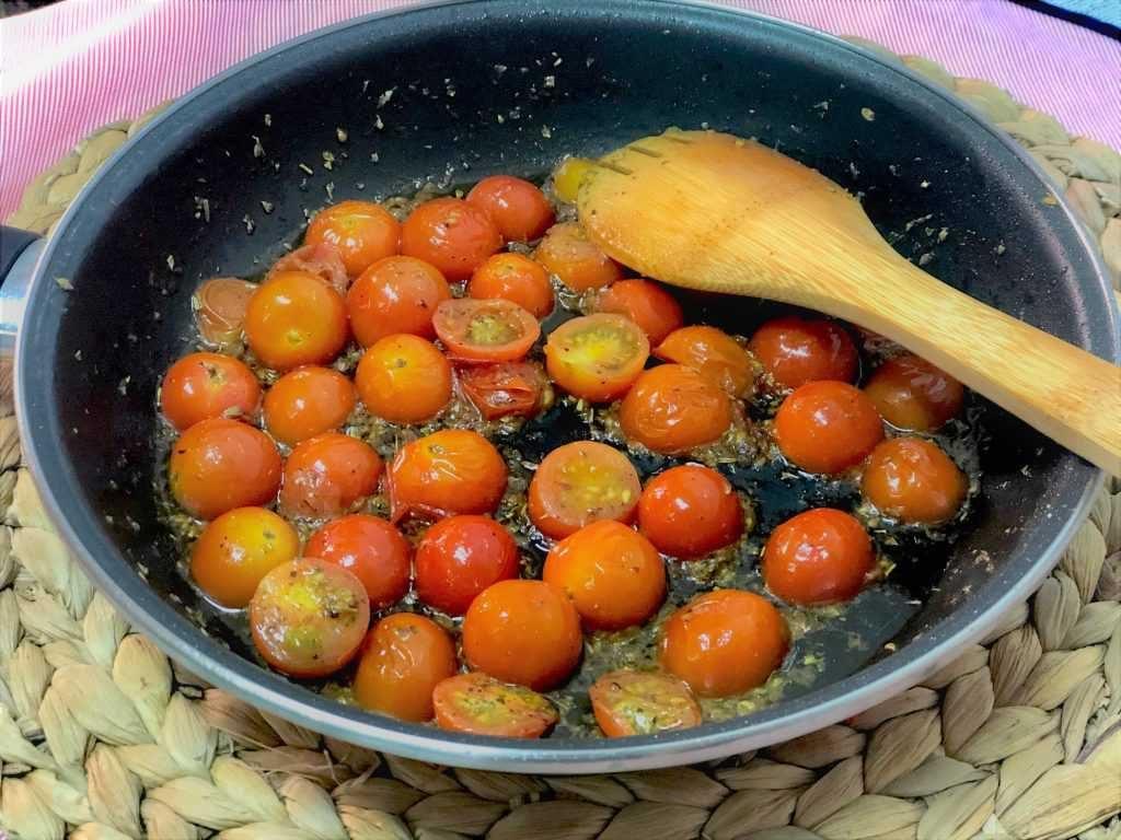 como hacer tomates especiados