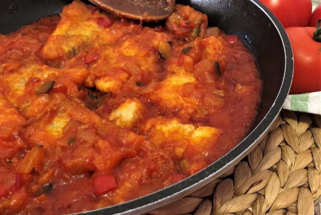 como hacer bacalao con tomate
