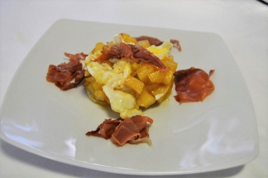 como hacer huevos rotos