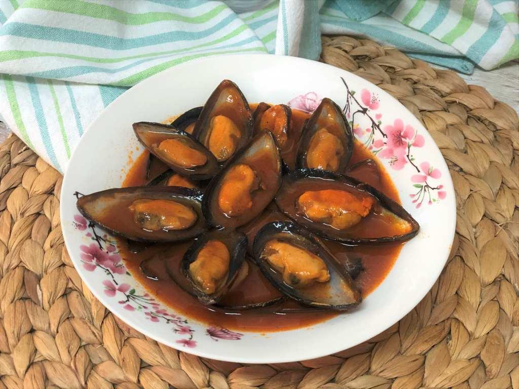 como hacer mejillones en salsa brava