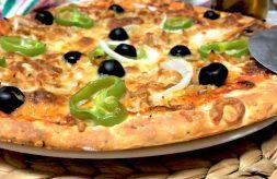 como hacer pizza con masa de yogur griego