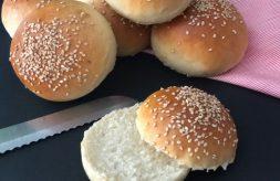 como hacer panecillos de hamburguesa