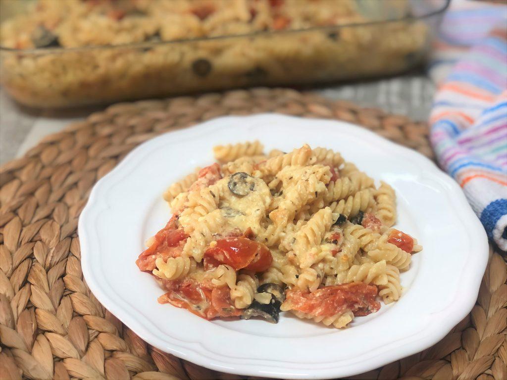 como hacer pasta con tomate y queso feta